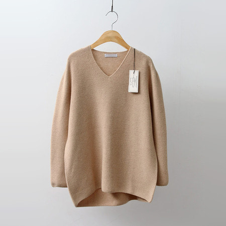 Hoega Cashmere Wool V-Neck Sweater