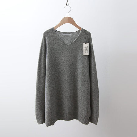 Hoega Cashmere Wool Way V-Neck Sweater