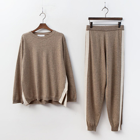 [SET] Super Wool Sweater N Jogger Pants