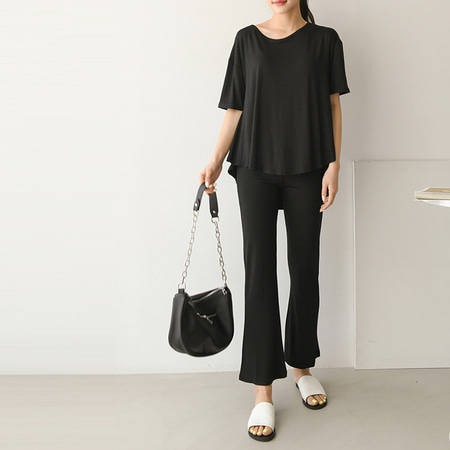 [SET] Chic Unbal Tee + Flare Pants